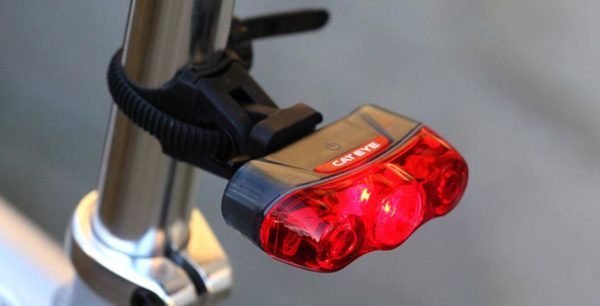 Cateye Rapid 3 rear light 0 600x306 - Lanterna traseira a prova d'agua Rapid 3 'Cateye'