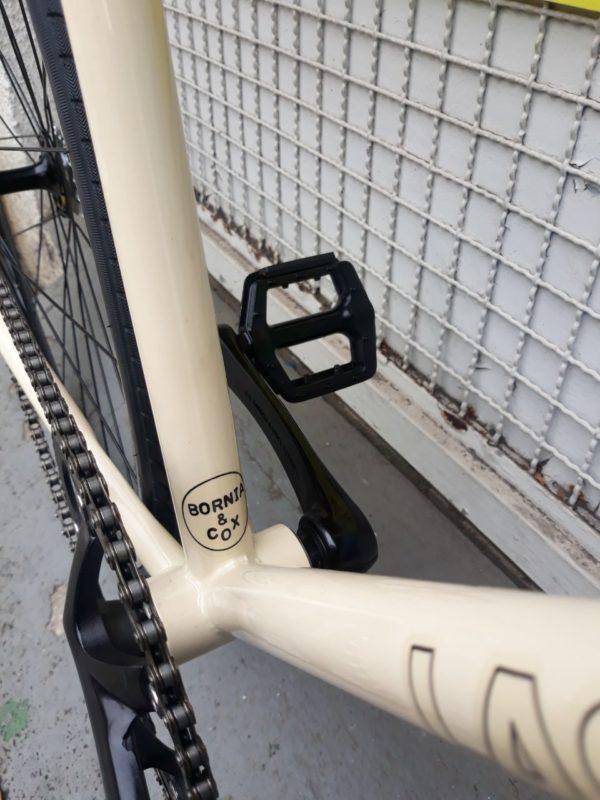 photo 2019 11 29 16.37.15 600x800 - Bicicleta Babilonia Las Magrelas feat. Bornia & Cox Completa