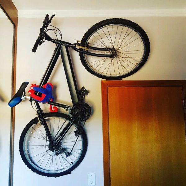 parede 1 600x600 - Suporte para bicicleta 'Decora Bike' feito em aço