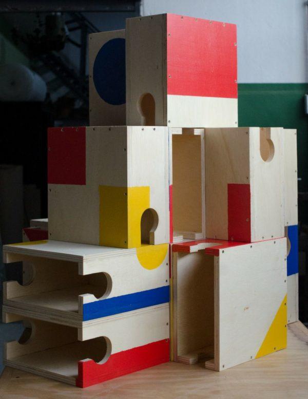photo 2021 01 15 17.10.20 600x777 - Suporte de parede em madeira colorido para bicicletas