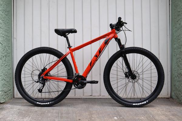 IMG 3598 600x400 - Bicicleta 'Satz' MTB aro 29 freio a disco hidráulico