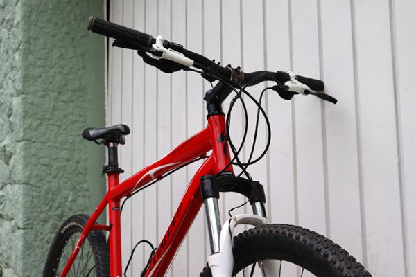 IMG 3561 600x400 - Bicicleta Specialized RockHopper aro 26 freio hidraulico (usada)