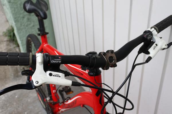 IMG 3573 600x400 - Bicicleta Specialized RockHopper aro 26 freio hidraulico (usada)